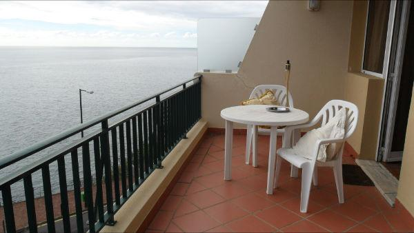 Hug balcony 24 sq meters only sea in front and Promenade