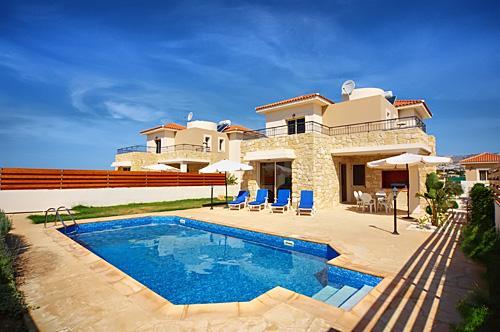 Sea Point Villa,Coral Bay 3 bedroom 200m to Sea, vacation rental in Paphos