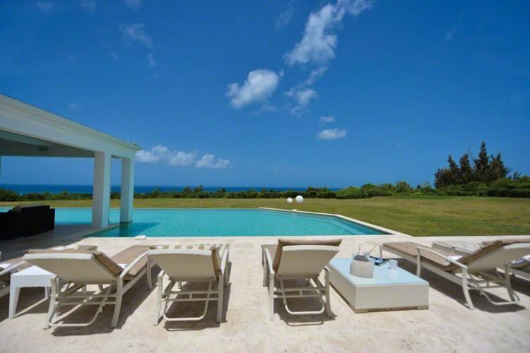 **AMAZING SPECIAL OFFERS ** Villa Ambiance - Terres Basses - 4 Bedroom, holiday rental in Sint Maarten