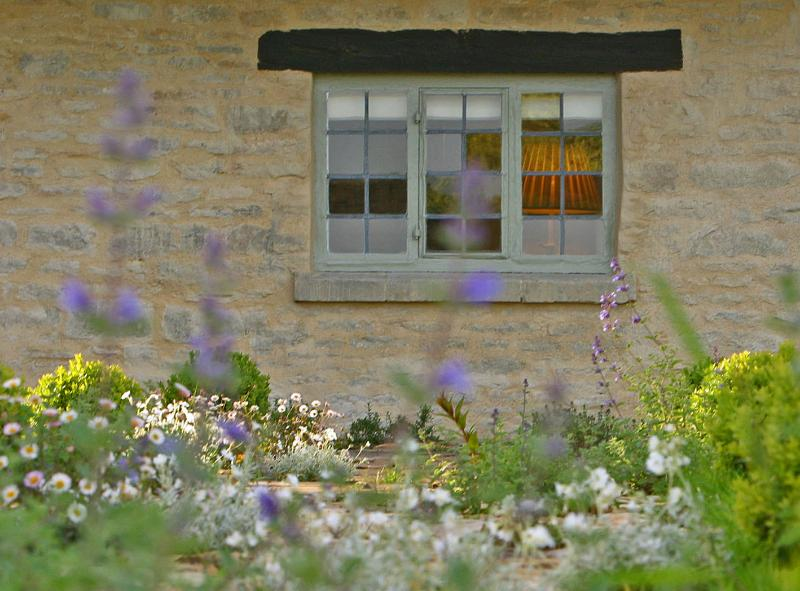 The thyme & lavender footpath