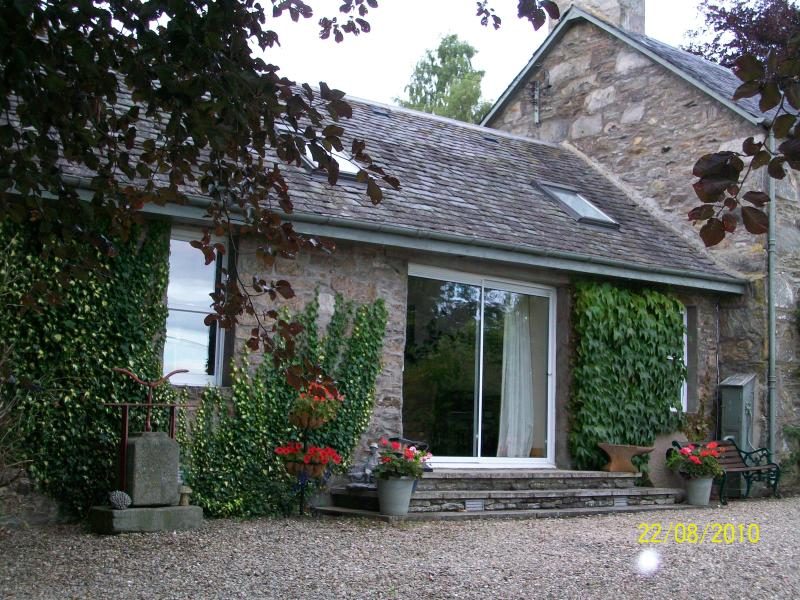 Four star self catering accommodation in Tulliemet.  Ideal location for a relaxing holiday.