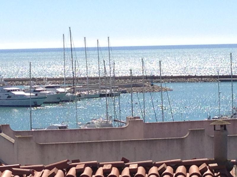 MANSARDA SUL PORTO: a due passi da Montalbano!!!, vacation rental in Ragusa