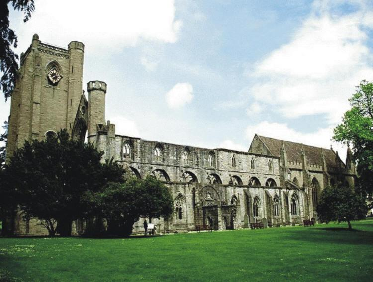 Dunkeld Cathedral is only a short 10 minute drive away.  Many lovely walks and individual shops.