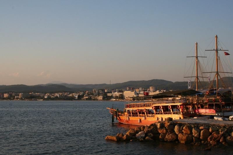 Afsallar Harbour at sunset