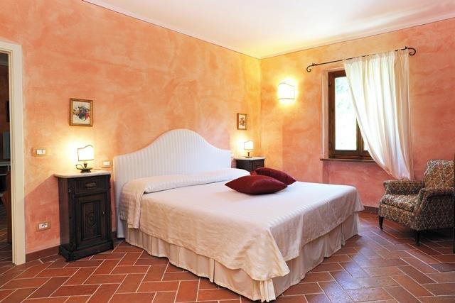 A bad room in the suite - 'La casa della nonna'