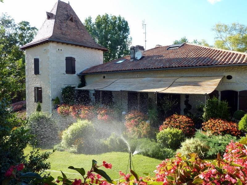 Ancolie/Agapanthe, holiday rental in Brie-sous-Chalais