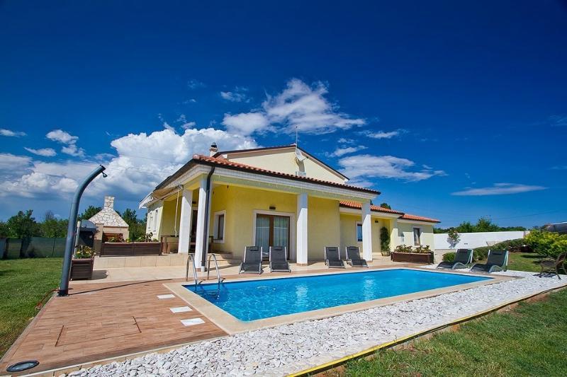Villa maggie, location de vacances à Liznjan