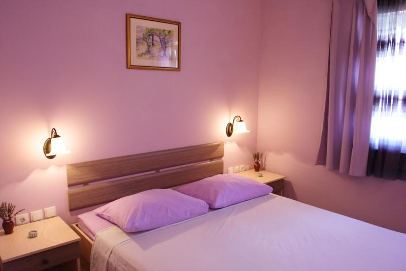Charming Lavender, centre, Stari Grad, walking distance to everything, vacation rental in Stari Grad