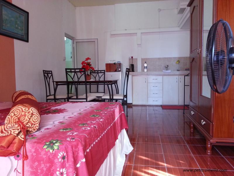 Petit Coin Studio, location de vacances à Coromandel