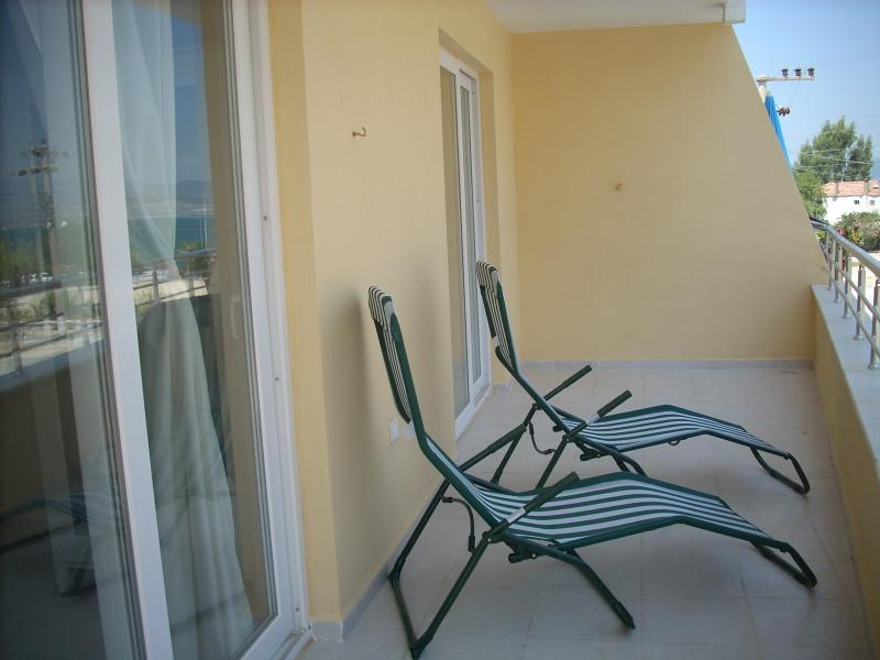 Both the bedrooms have doors lead out to the balcony...and to sea views.
