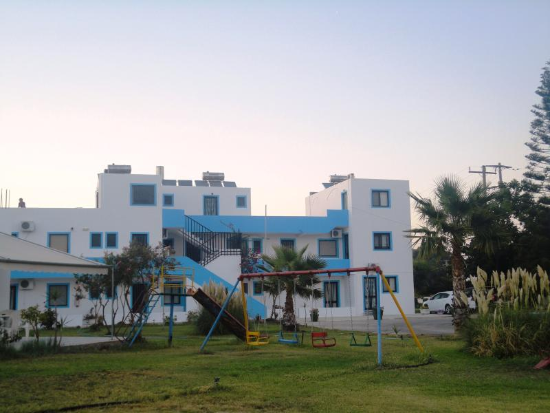 Anthia Apartments(Double), location de vacances à Kos Town