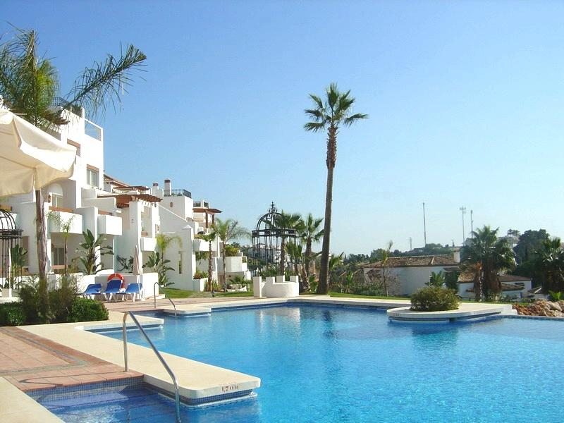 Stunning apartment in Marbella, holiday rental in Nueva Andalucia