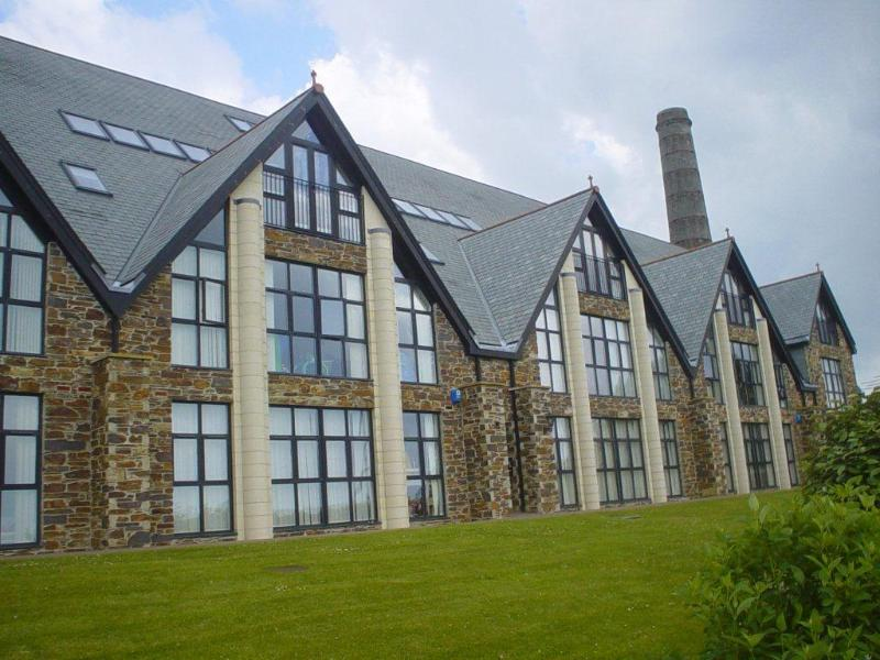 21 Pochin House Carclaze St. Austell Cornwall PL25 3RJ. A stunning converted clay drying building.