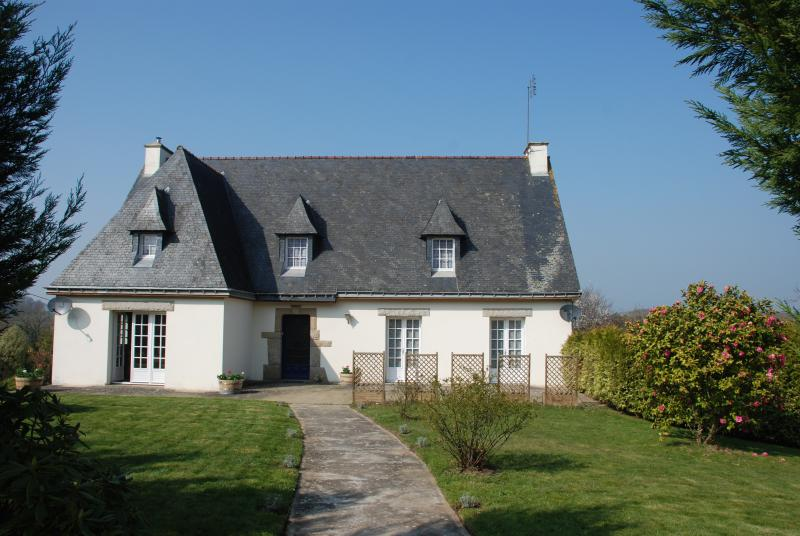 Maison Driscoll on the edge of the charming village of La Trinite-Porhoet