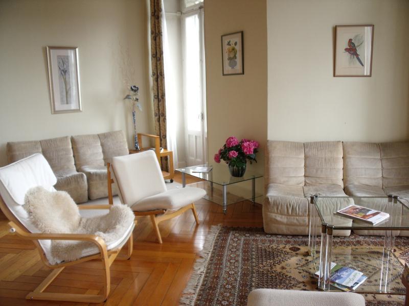 Main sitting room/sejour