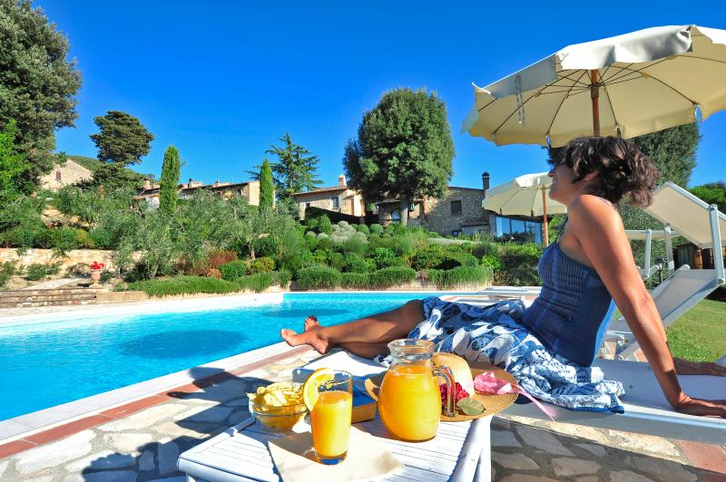 Apartment in farmhouse, holiday rental in Palagio