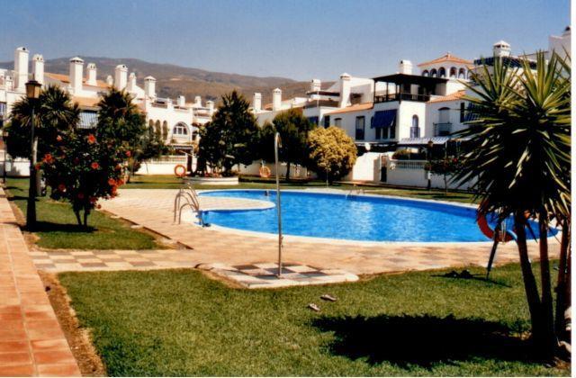 Apto. playa Urb. Perla A. perfecta para la familia, alquiler de vacaciones en Gualchos