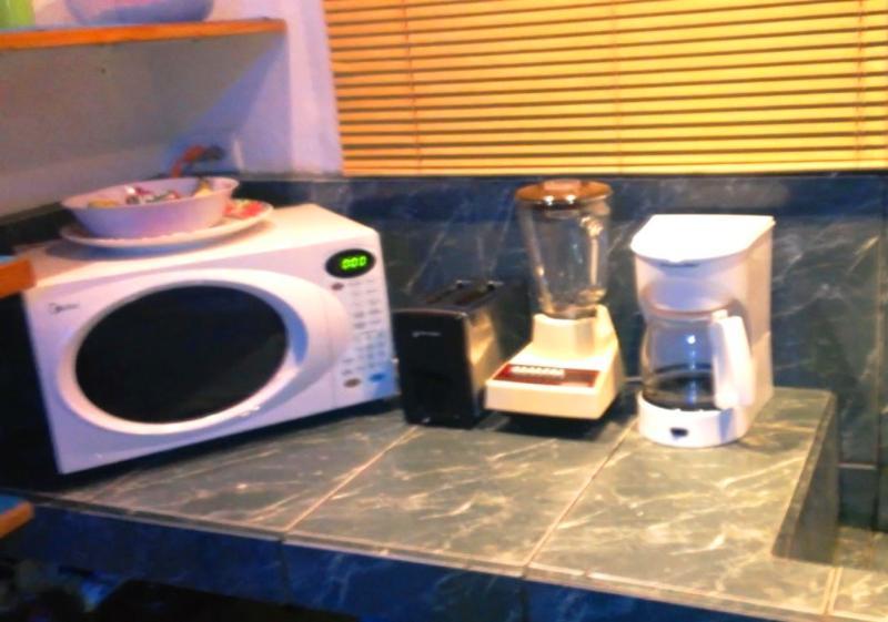 Microondas, licuadora y tostadora