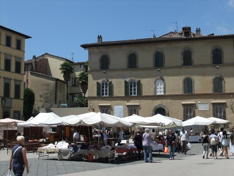 Antique market in Lucca