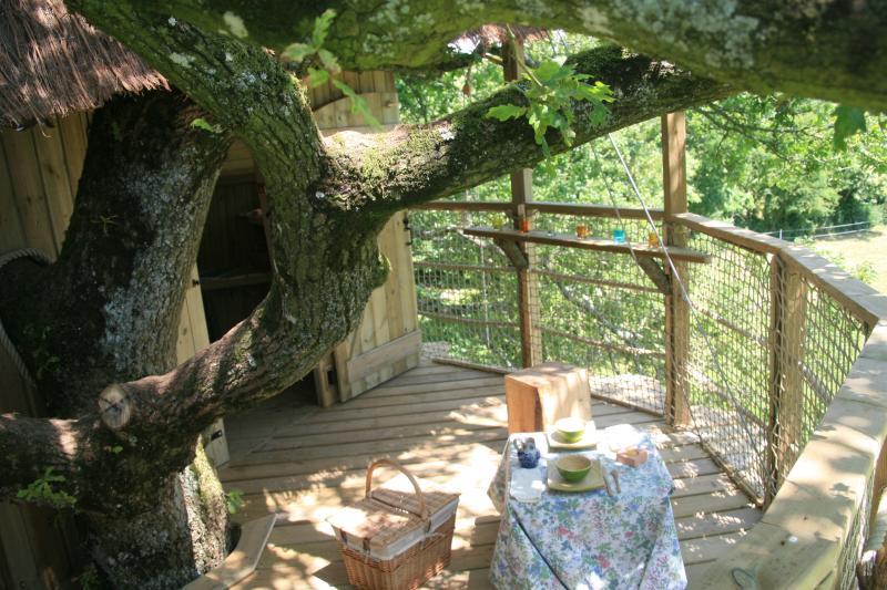 Cabane Perchée Gisberg, vacation rental in Mayenne
