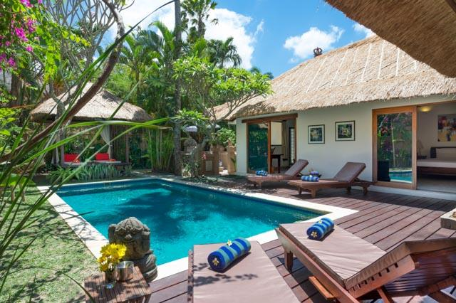 Villa Plawa is a classic 4-bedroom Bali luxury villa providing a taste of in Seminyak.