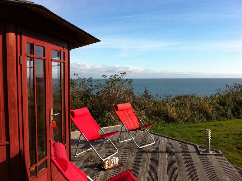 Summer house over looking the beach, lovely for getting away from it all!