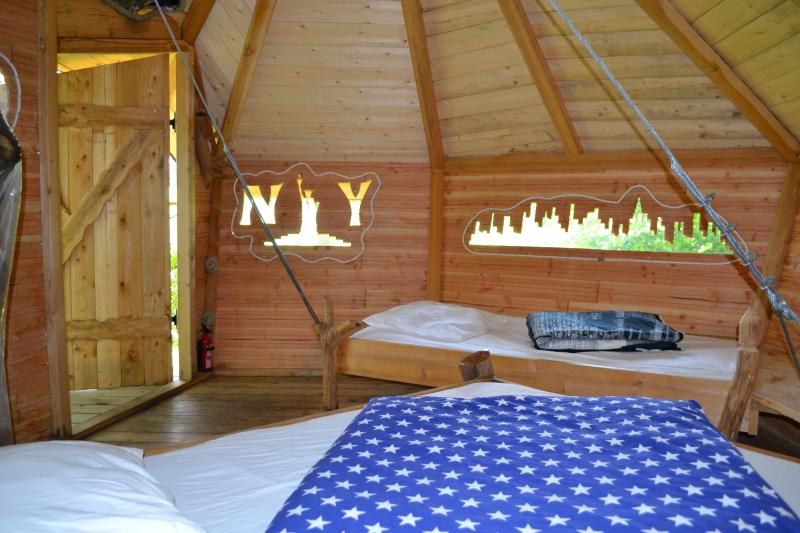 Cabane Perchée New York, vacation rental in Mayenne