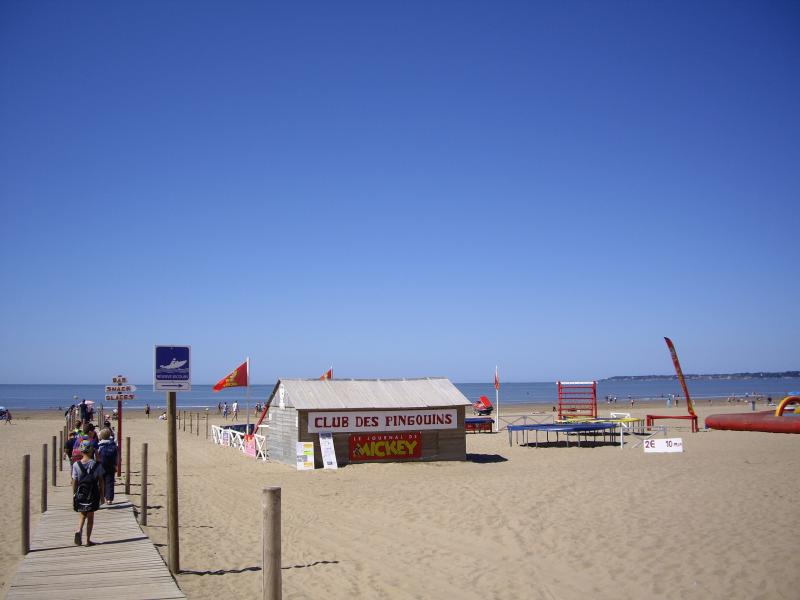 ST-BREVIN L'OCEAN : Beach Club for Children's Happiness
