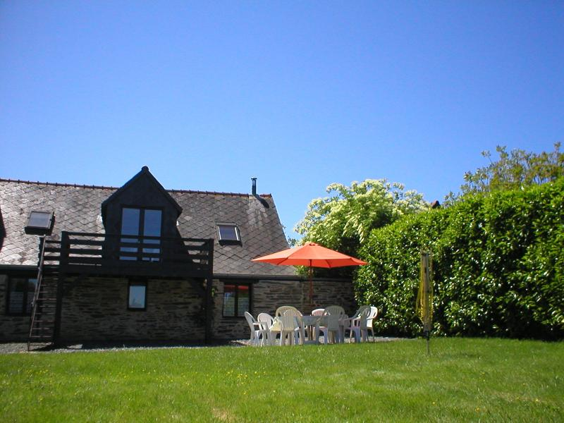 Woodland View Barn, South Brittany Cottages, Wifi, Bikes, holiday rental in Masserac