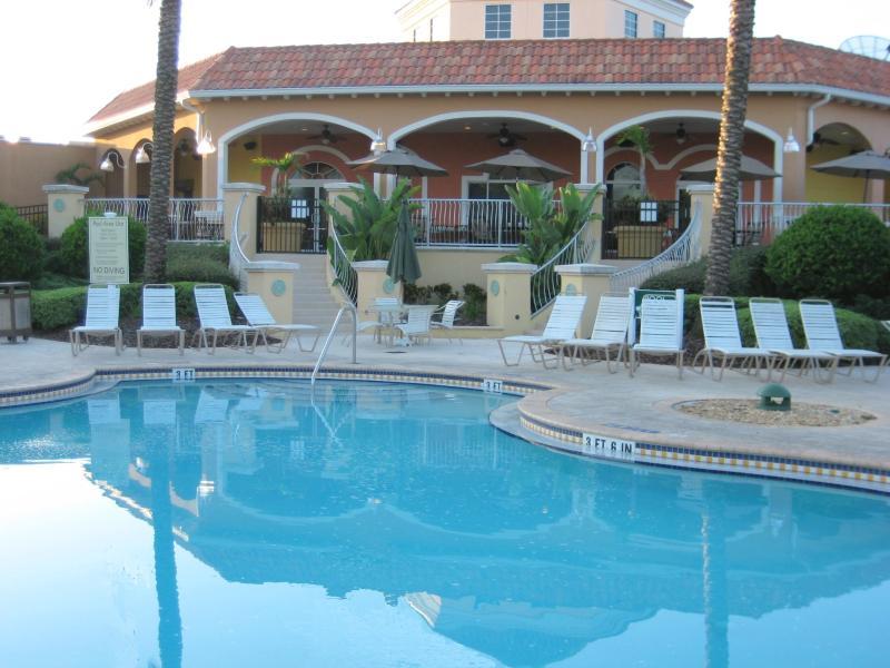 Club-House et piscine chauffée