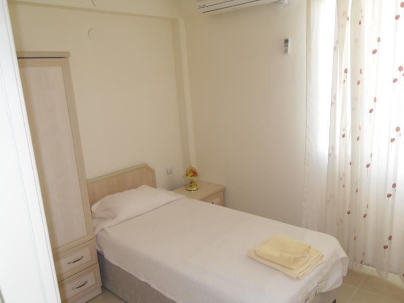 Single Bedroom room with airconditioning