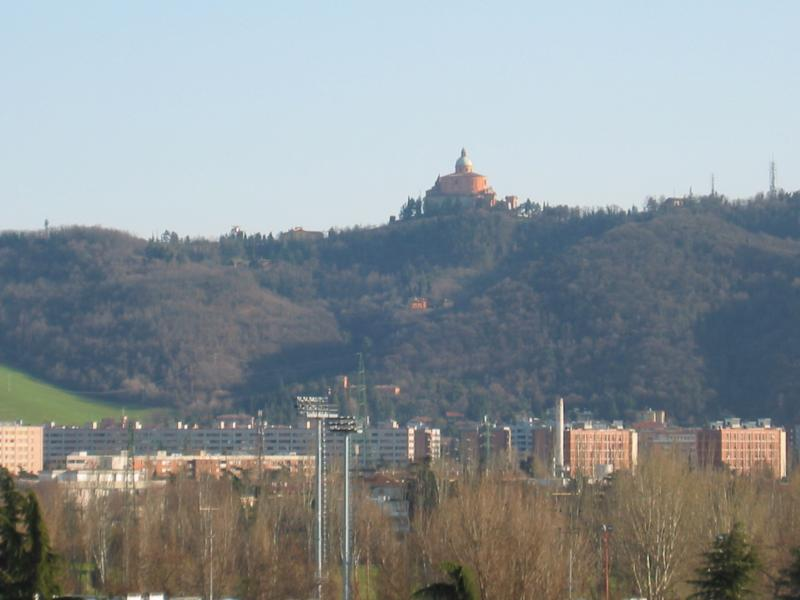 vista alla basilica di s.luca