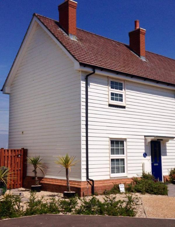 Marsh View Cottage, Camber Sands,a short stroll from the dunes/sandy beach & has rural views to rear