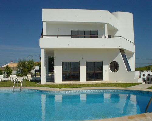 Villa El Maiten, Large Private Swimming Pool, Close To The Beach., vacation rental in Castro Marim