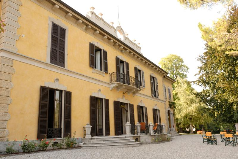 VILLA MAPELLI MOZZI, vacation rental in Province of Lecco