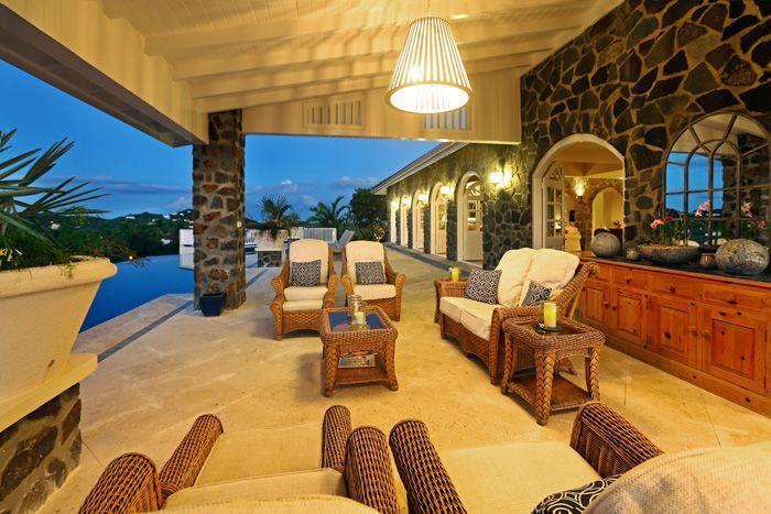 Enjoy warm evenings on the terrace ...