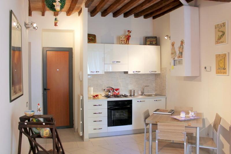 'CASA SIMONETTA in BORGO' - WI FI -ARIA CONDIZIONATA, holiday rental in Parma