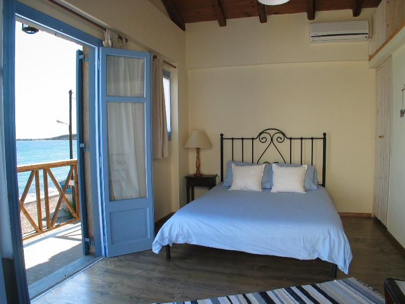 Main bedroom with a view. Beach house no 2
