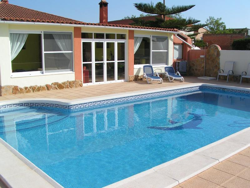 10 x 5 Metre Swimming Pool and Seating Area