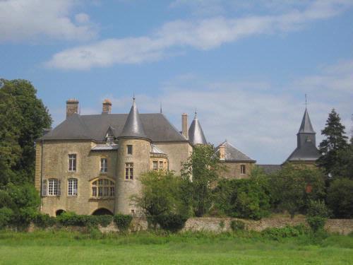 Château vu de la Meuse