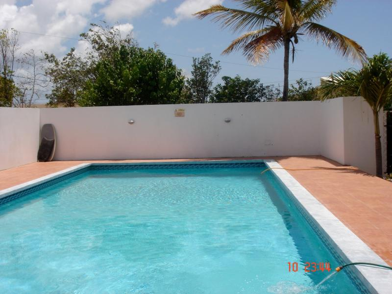 Very private walled ,large swimming pool. Kids love it as they have both beach and pool at hand