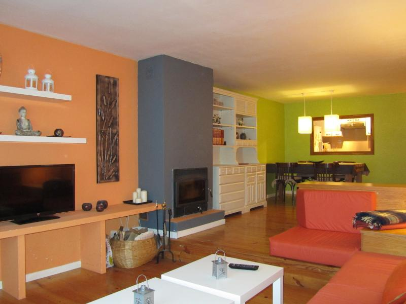 Acogedor apartamento VIllanúa, vacation rental in Canfranc