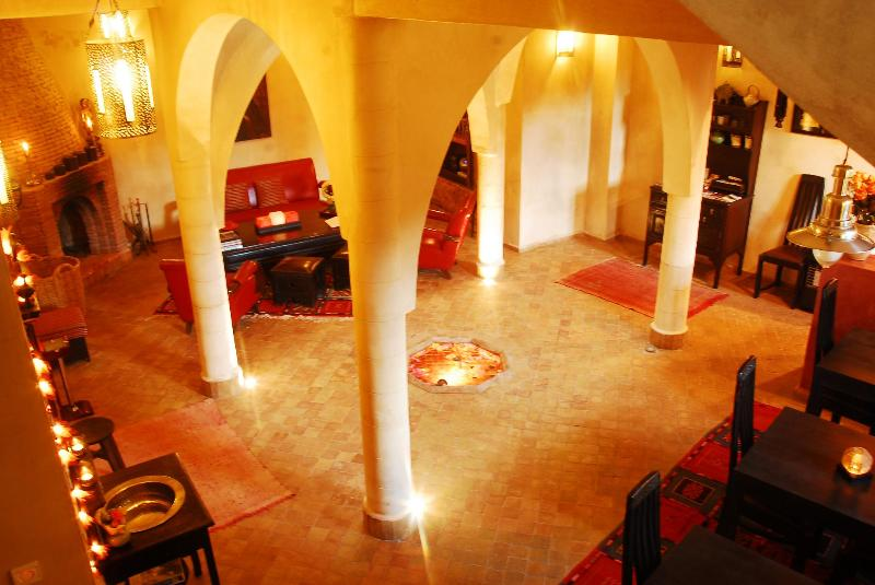 VILLA ALLUN, CHARMING RIAD with 4 bedrooms, location de vacances à Essaouira