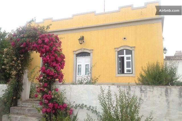 ALGARVE CHARMING 2BR COLONIAL VILLA, holiday rental in Pechao