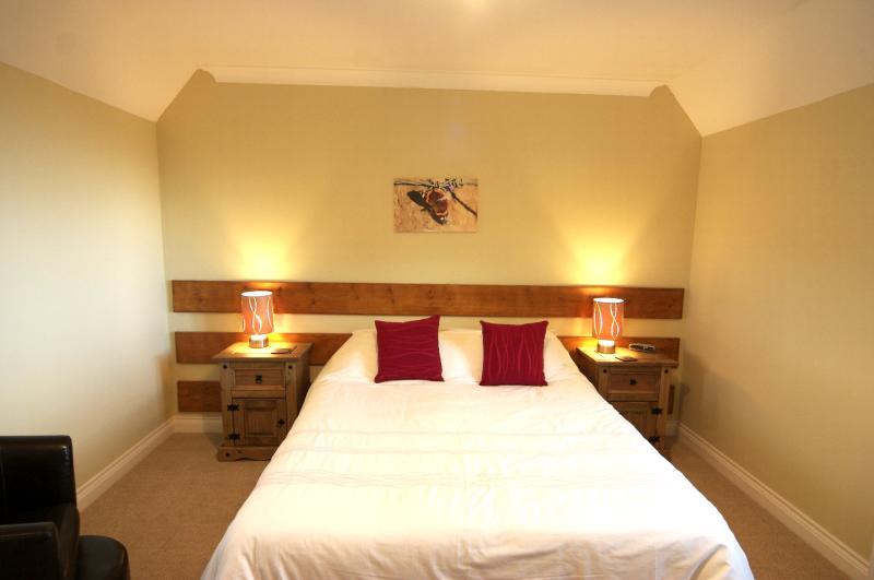 Oakrest Cottage Double Bedroom