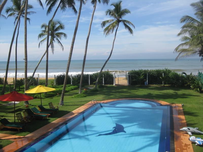 Palm beach villa, vacation rental in Kalutara