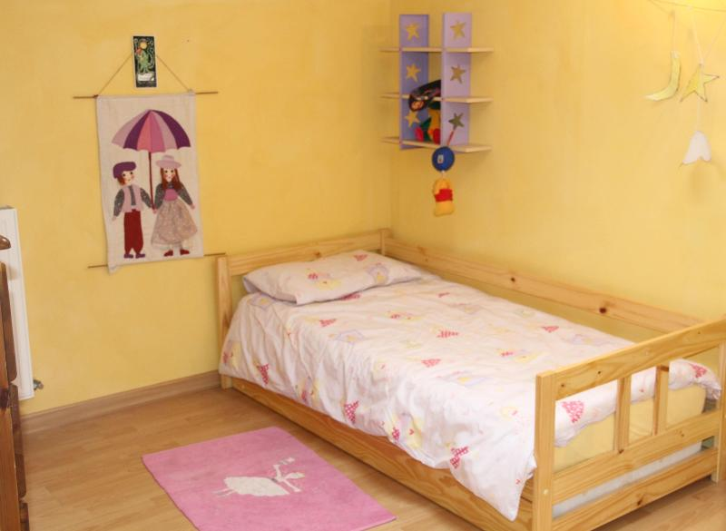 Bright and sunny twin/single bedroom (with full single bed underneath the one pictured)