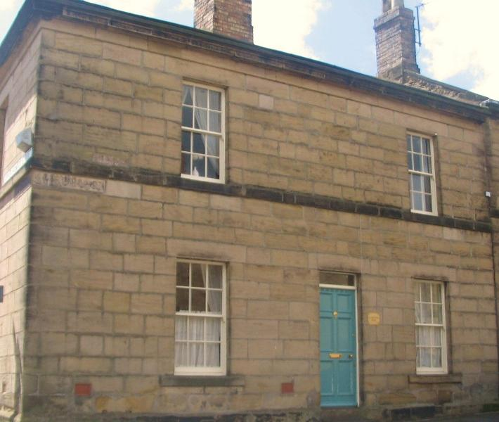 Delightful, Late Georgian, Grade II Listed, Peaseblossom House, Central Alnwick, vacation rental in Alnwick