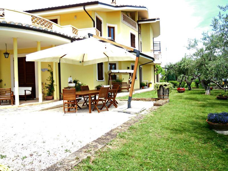 Agriturismo Le Dolci colline d'Abruzzo, alquiler vacacional en Villa Oliveti