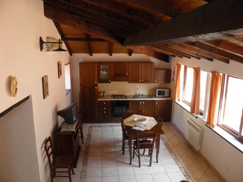 Casa vacanze 'LA VITE' - Vivere in un antico Borgo, location de vacances à Caravonica